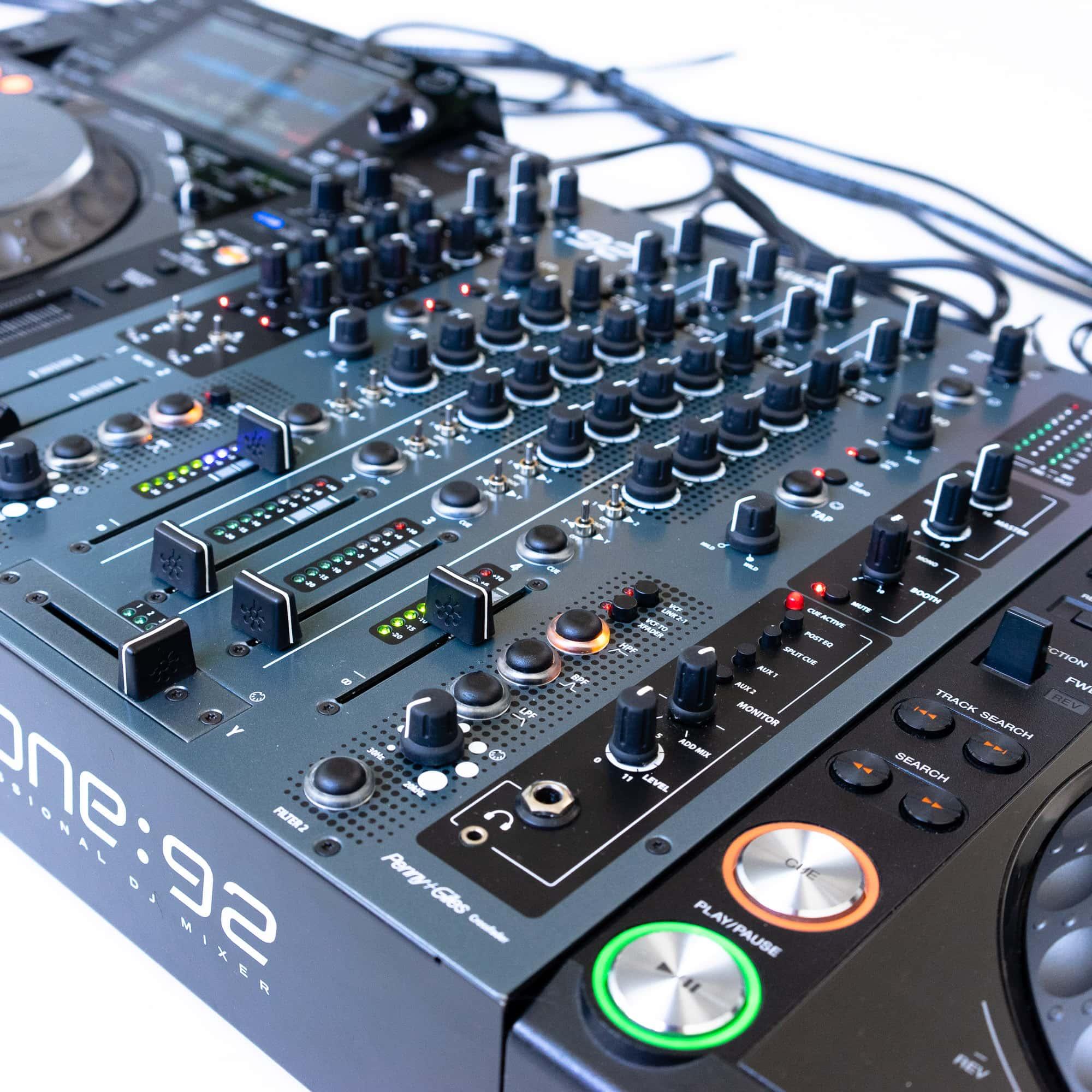 gebraucht kaufen DJ-Set: 2x Pioneer CDJ 2000 NXS Nexus + 1x Allen&Heath Xone 92