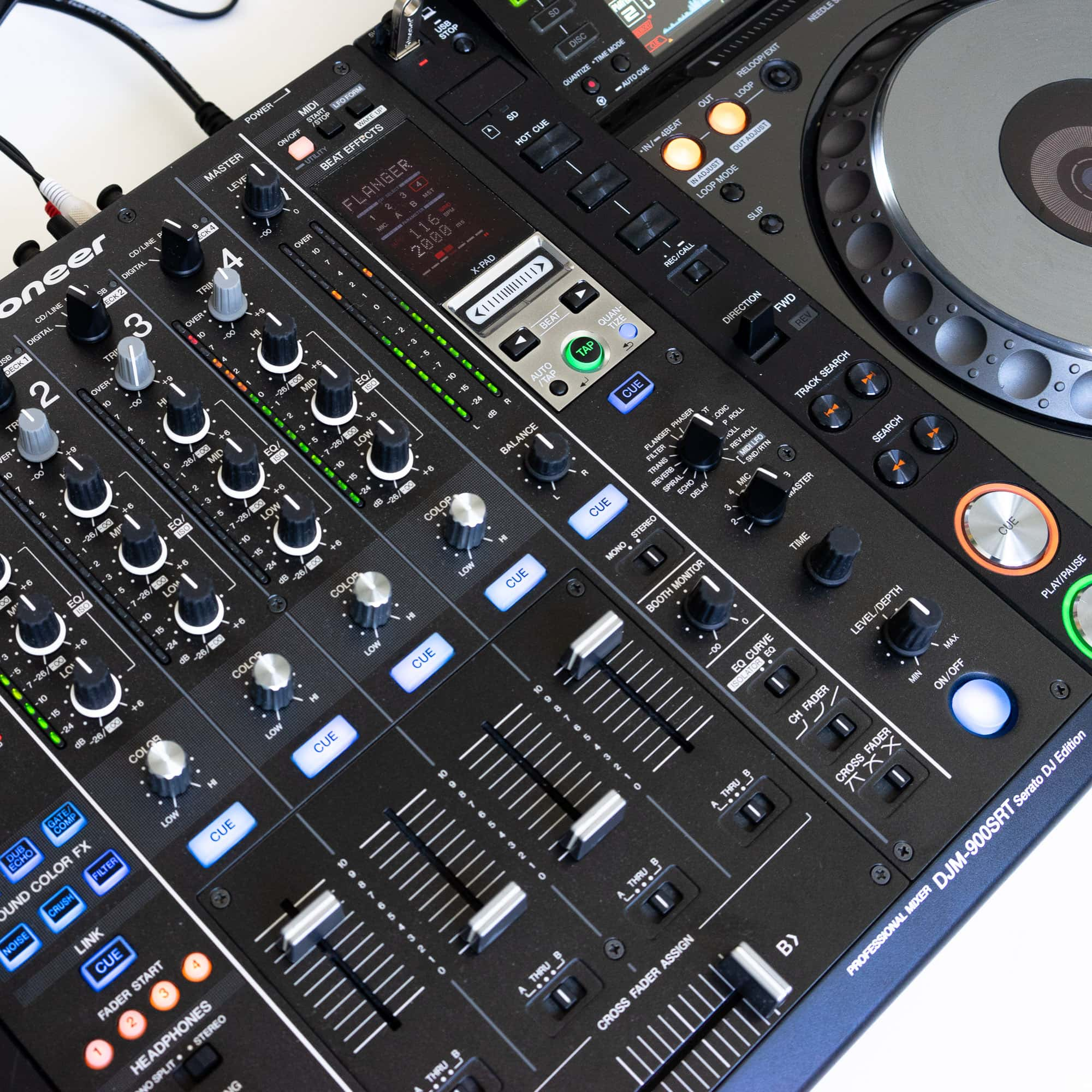 gebraucht kaufen DJ-Set: 2x Pioneer CDJ 2000 NXS Nexus + 1x Pioneer DJM 900 SRT