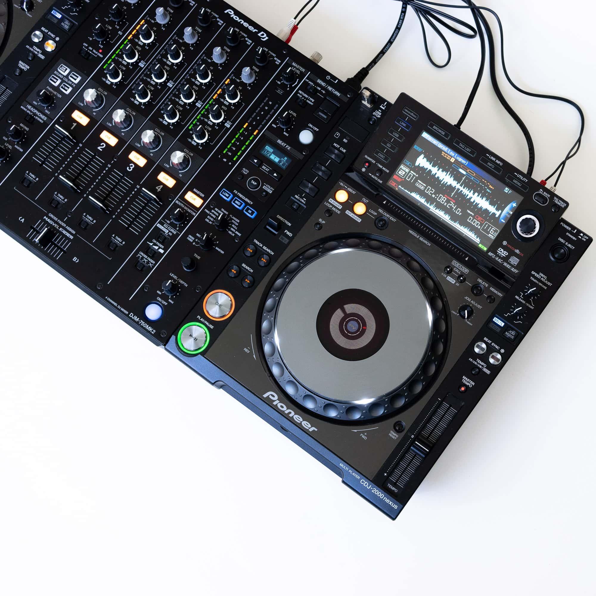 gebraucht kaufen DJ-Set: 2x Pioneer CDJ 2000 NXS2 Nexus + 1x Pioneer DJM 750 MK2