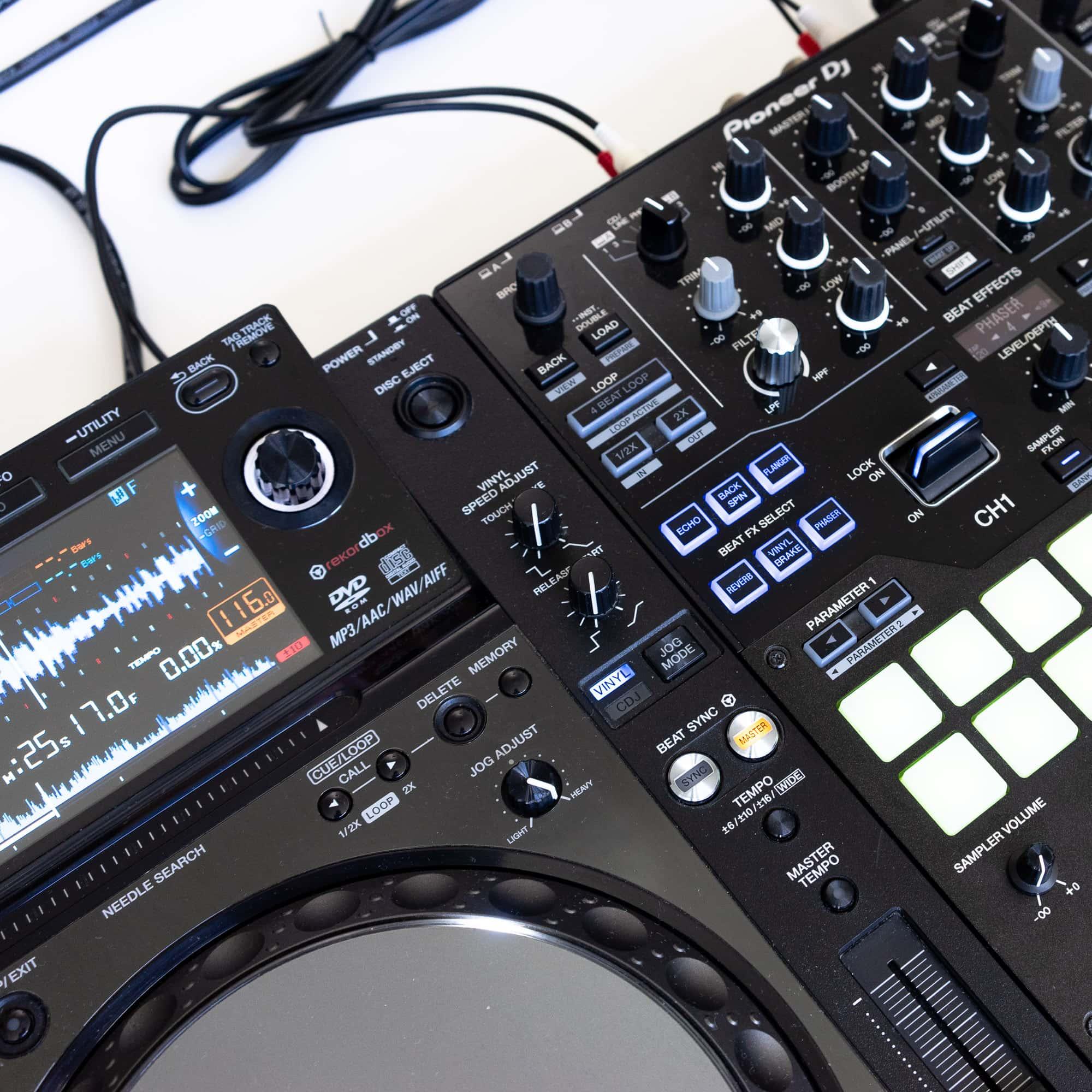 gebraucht kaufen DJ-Set: 2x Pioneer CDJ 2000 NXS Nexus + 1x Pioneer DJM S9