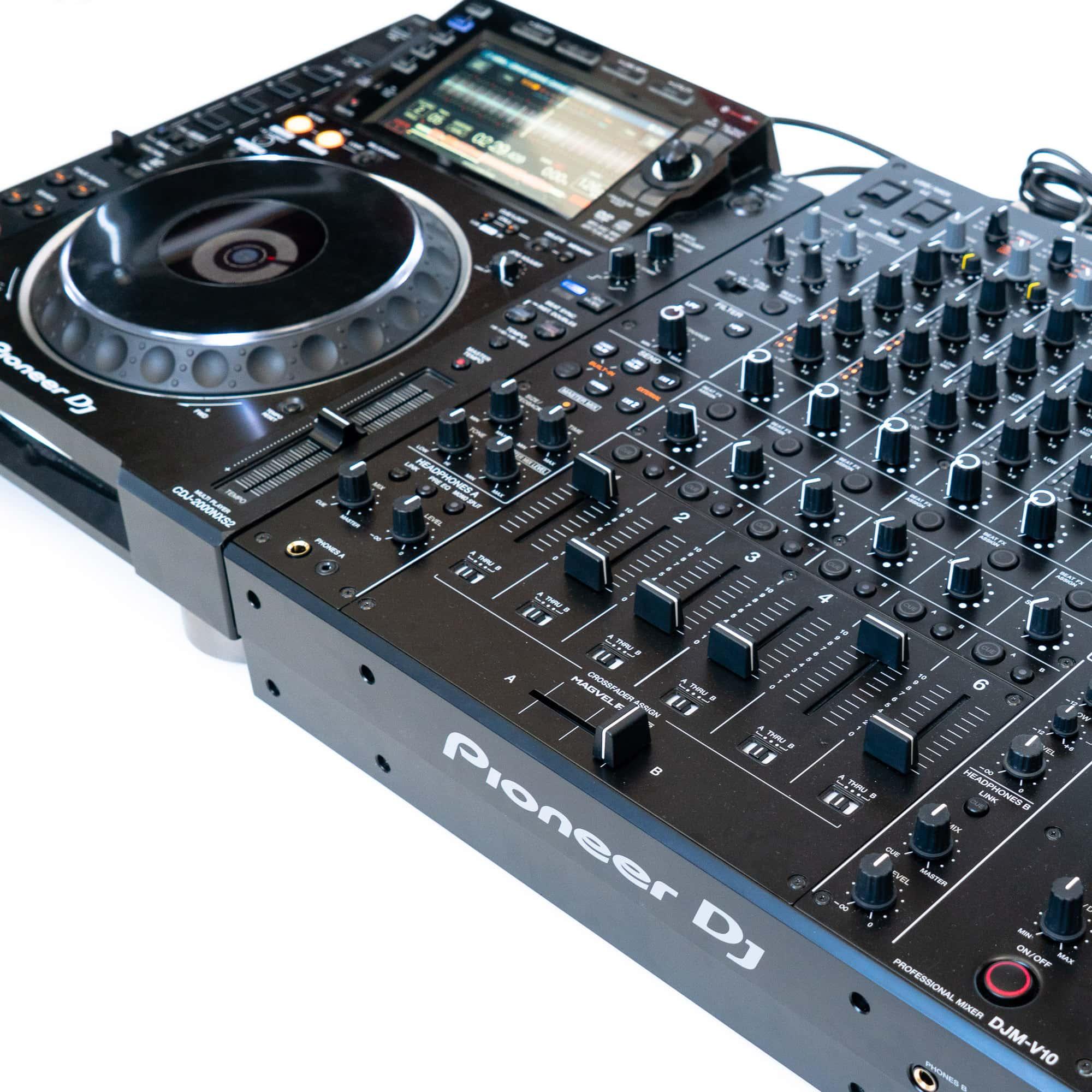 gebraucht kaufen DJ-Set: 2x Pioneer CDJ 2000 NXS2 Nexus 2 + 1x Pioneer DJM V10 + Kabel