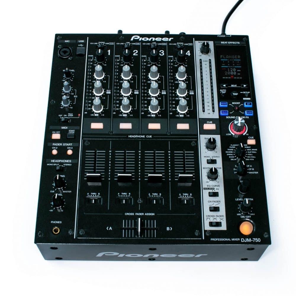 gebraucht kaufen Pioneer DJM 750