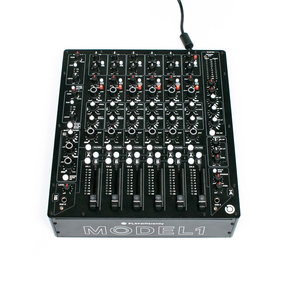 gebraucht kaufen Allen & Heath PlayDifferently Model 1