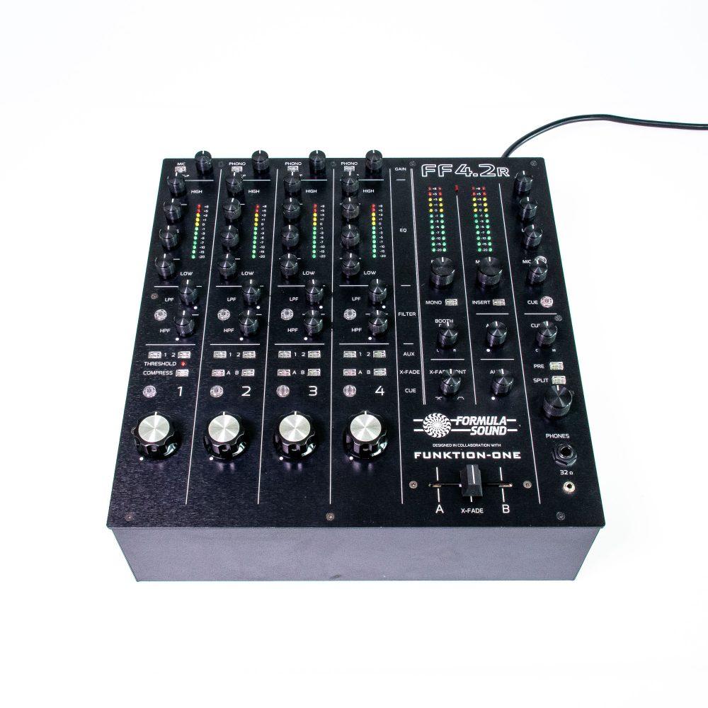 gebraucht kaufen Formula-Sound-FF4.2-R-12-Hinten