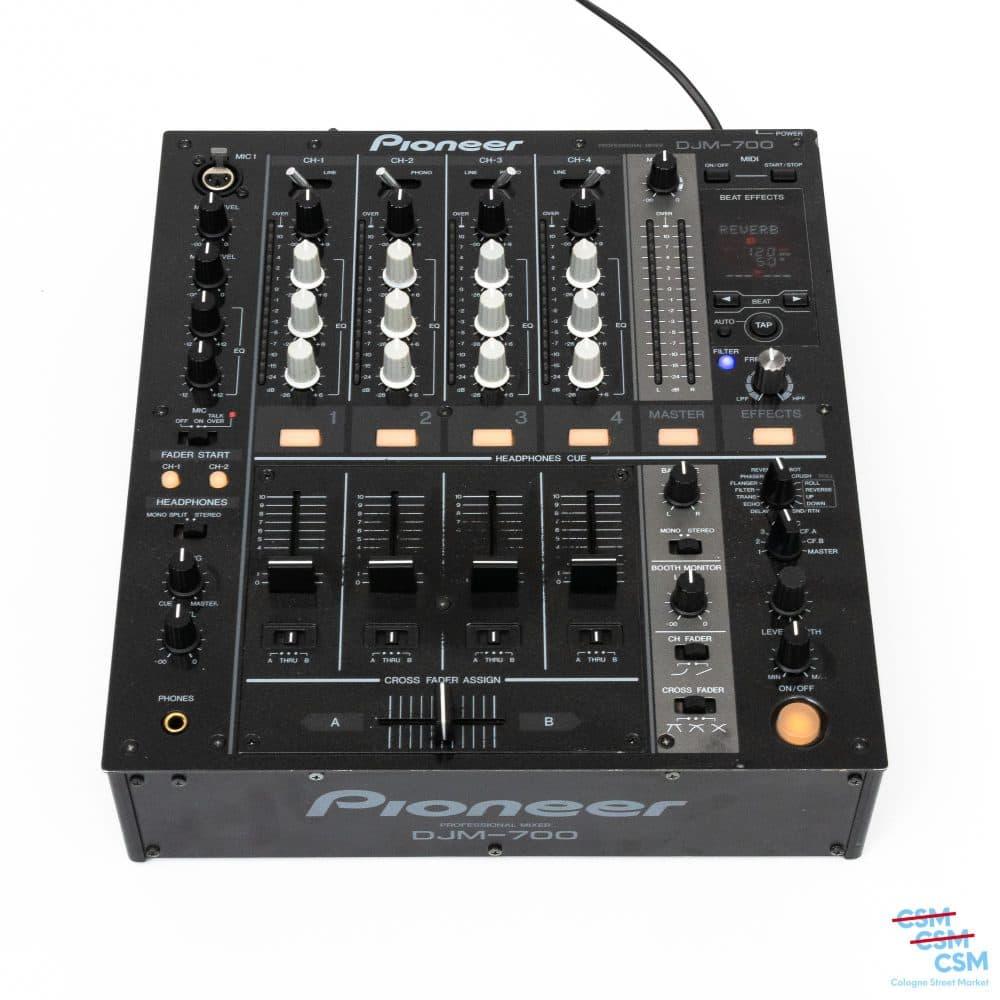Pioneer DJ DJM 700 mit Abschuerfungen gebraucht 1