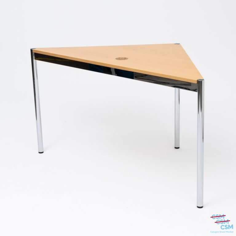 USM-Haller-Tisch-dreieckig-mit-Loch-Buche-gebraucht-1